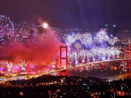 bosphorus-new-year-s-eve-party-istanbul-1-Exeperienceteam